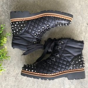 🆕 Sam Edelman Studded Fur lined Quilted combat